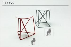 線材構成によるスツールのデザイン